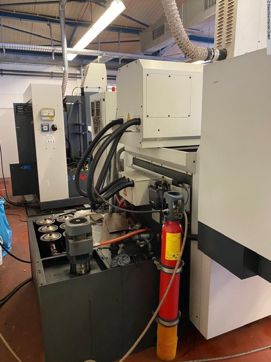 Cavity Sinking EDM Machine CHARMILLES TECHNOLOGIES Roboform 55 photo on Industry-Pilot