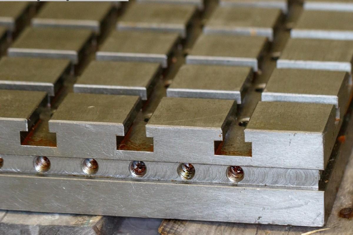 Зажимное устройство Hohenstein Spannvorrichtung Nutenplatte фото на Industry-Pilot
