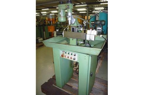 Toolroom Milling Machine - Universal Aciera - F 1 100mm photo on Industry-Pilot