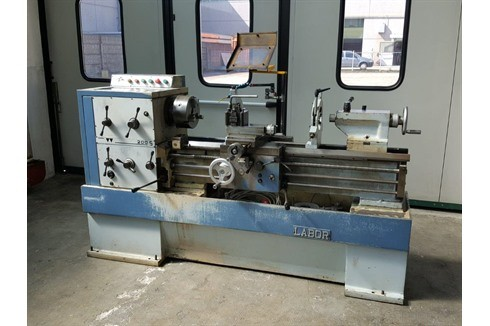 Screw-cutting lathe Padovani - LABOR 200S photo on Industry-Pilot