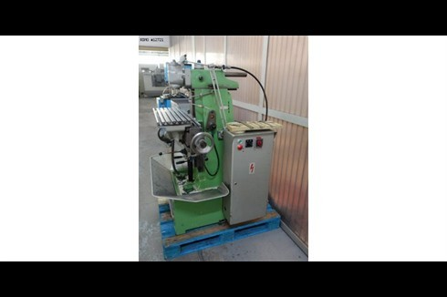 Toolroom Milling Machine - Universal Schaublin - 13 30 ISO photo on Industry-Pilot