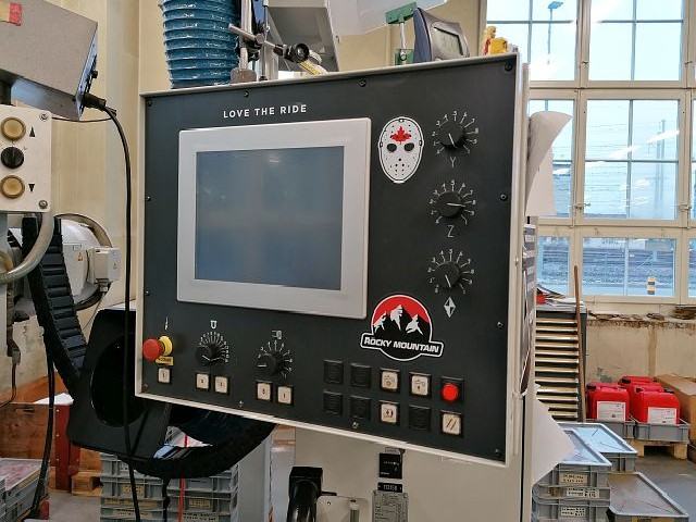 Surface Grinding Machine - Horizontal JUNG JF 525 N  photo on Industry-Pilot