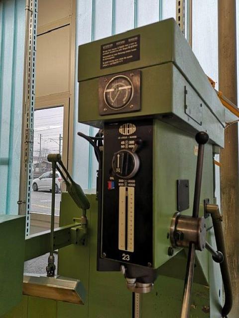 Milling Machine - Vertical ACIERA 23 STAE photo on Industry-Pilot