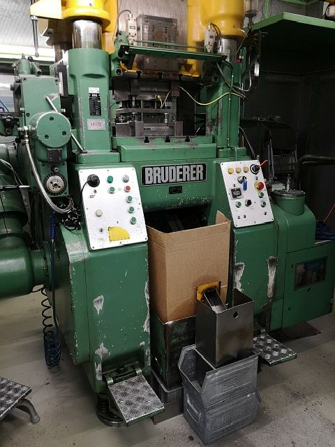 Automatic stamping machine BRUDERER BSTA 60 H 1980 photo on Industry-Pilot