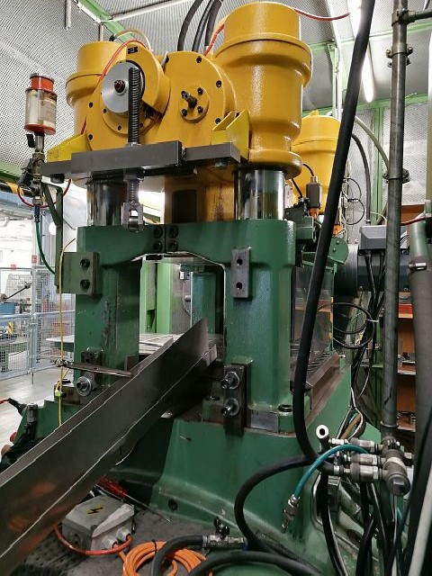 Automatic stamping machine BRUDERER BSTA 60 H photo on Industry-Pilot