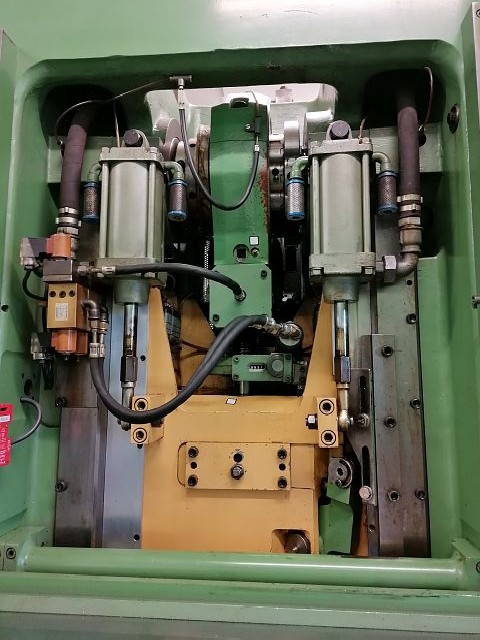 Automatic stamping machine BEUTLER ZA 40 photo on Industry-Pilot