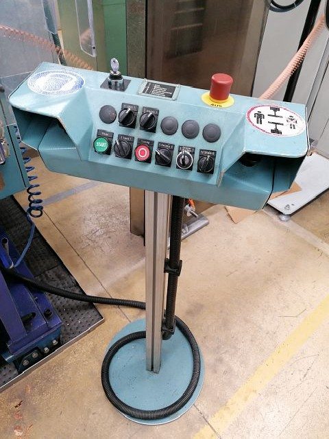 Automatic stamping machine BEUTLER P96-C400 500mm photo on Industry-Pilot