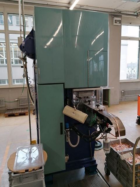 Automatic stamping machine BEUTLER P96-C250 photo on Industry-Pilot