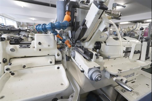 Automatic profile Lathe - Longitudinal Tornos - R 10 photo on Industry-Pilot