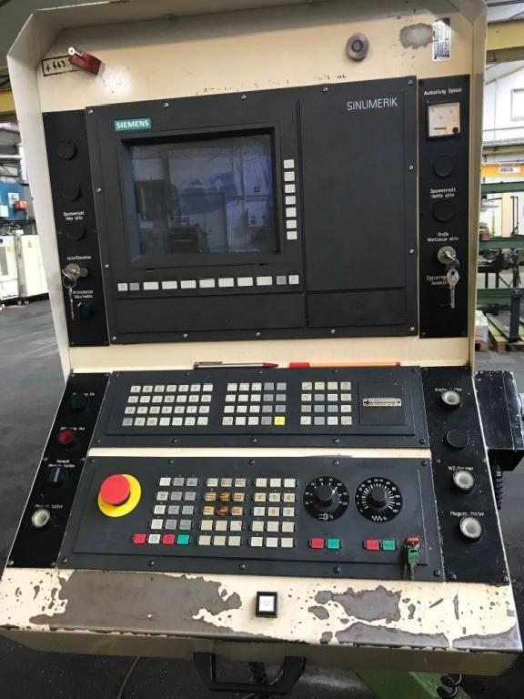 Обрабатывающий центр - вертикальный AXA VSC 50 - 5000 M/SK40 фото на Industry-Pilot
