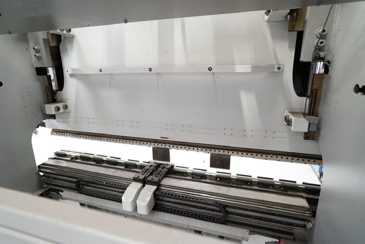 Press Brake hydraulic AMADA HFP 220-3L photo on Industry-Pilot