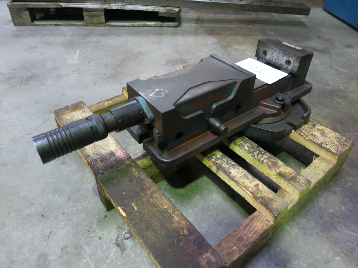 Vise Schraubstock 1600 mm photo on Industry-Pilot