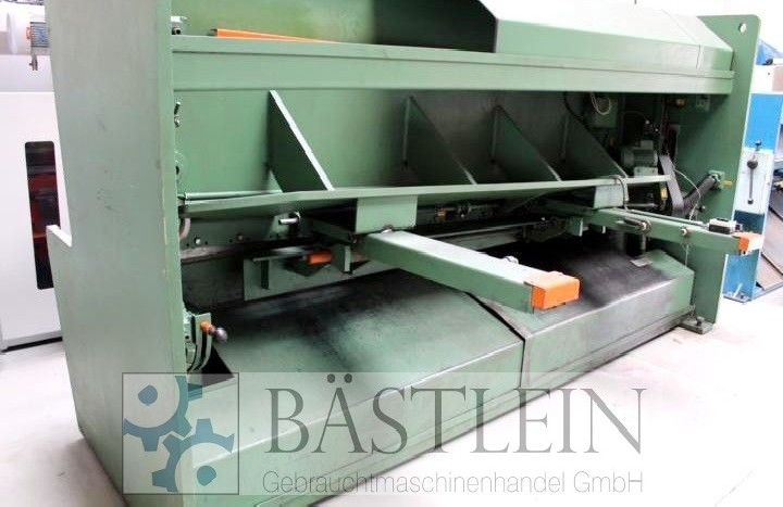 Hydraulic guillotine shear  HACO TSL 3013 photo on Industry-Pilot
