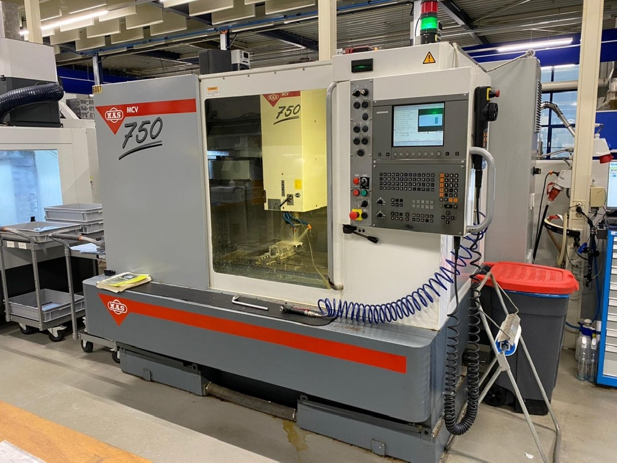 Machining Center - Vertical MAS MCV 750 photo on Industry-Pilot