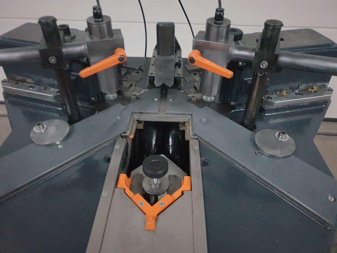Углообжимной станок для алюминия Elumatec EP 124 фото на Industry-Pilot
