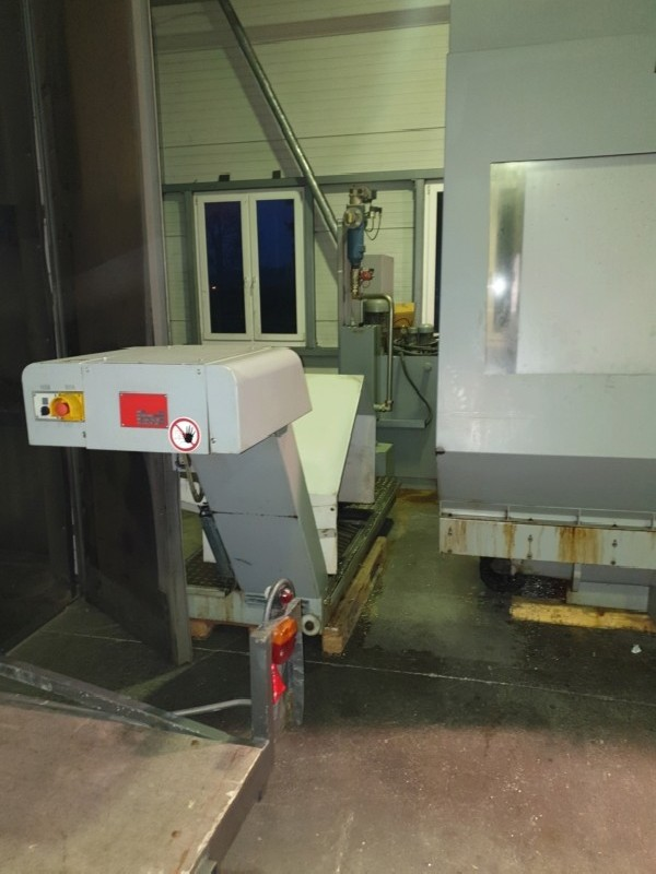 Обрабатывающий центр - вертикальный MIKRON VCP 1000 фото на Industry-Pilot