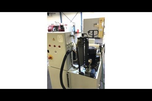 Обрабатывающий центр - вертикальный Mikron UCP 600 VARIO фото на Industry-Pilot