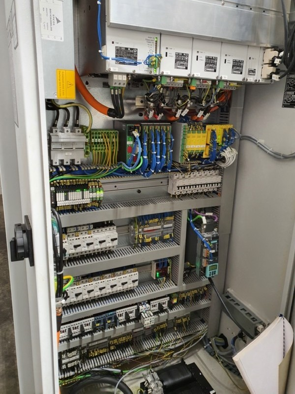 Обрабатывающий центр - универсальный SPINNER U 1520 фото на Industry-Pilot
