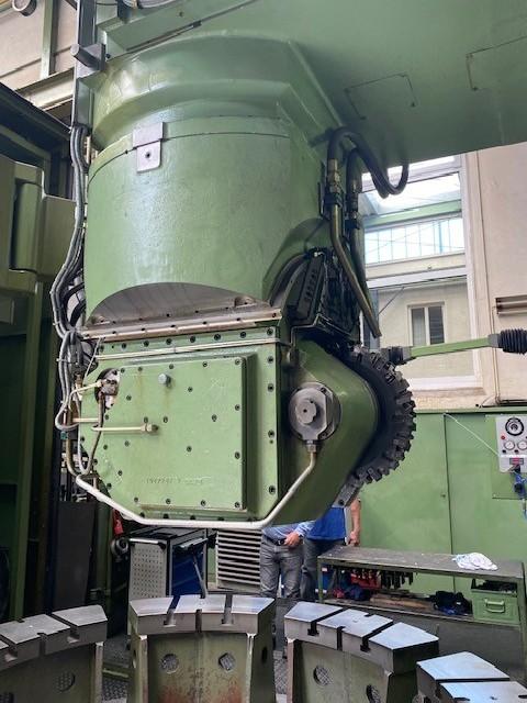 Зубофрезерный станок обкатного типа - вертик. PFAUTER P 3001 фото на Industry-Pilot
