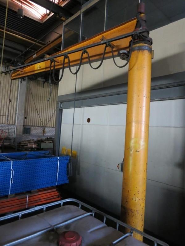 Поворотный кран на колонне Säulenschwenkkran фото на Industry-Pilot