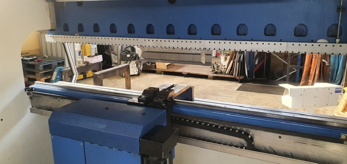 Press Brake hydraulic TRUMPF V85S photo on Industry-Pilot