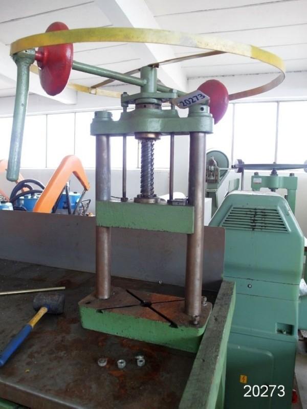 Ручной шпиндельный пресс UNBEKANNT Handspindelpresse фото на Industry-Pilot