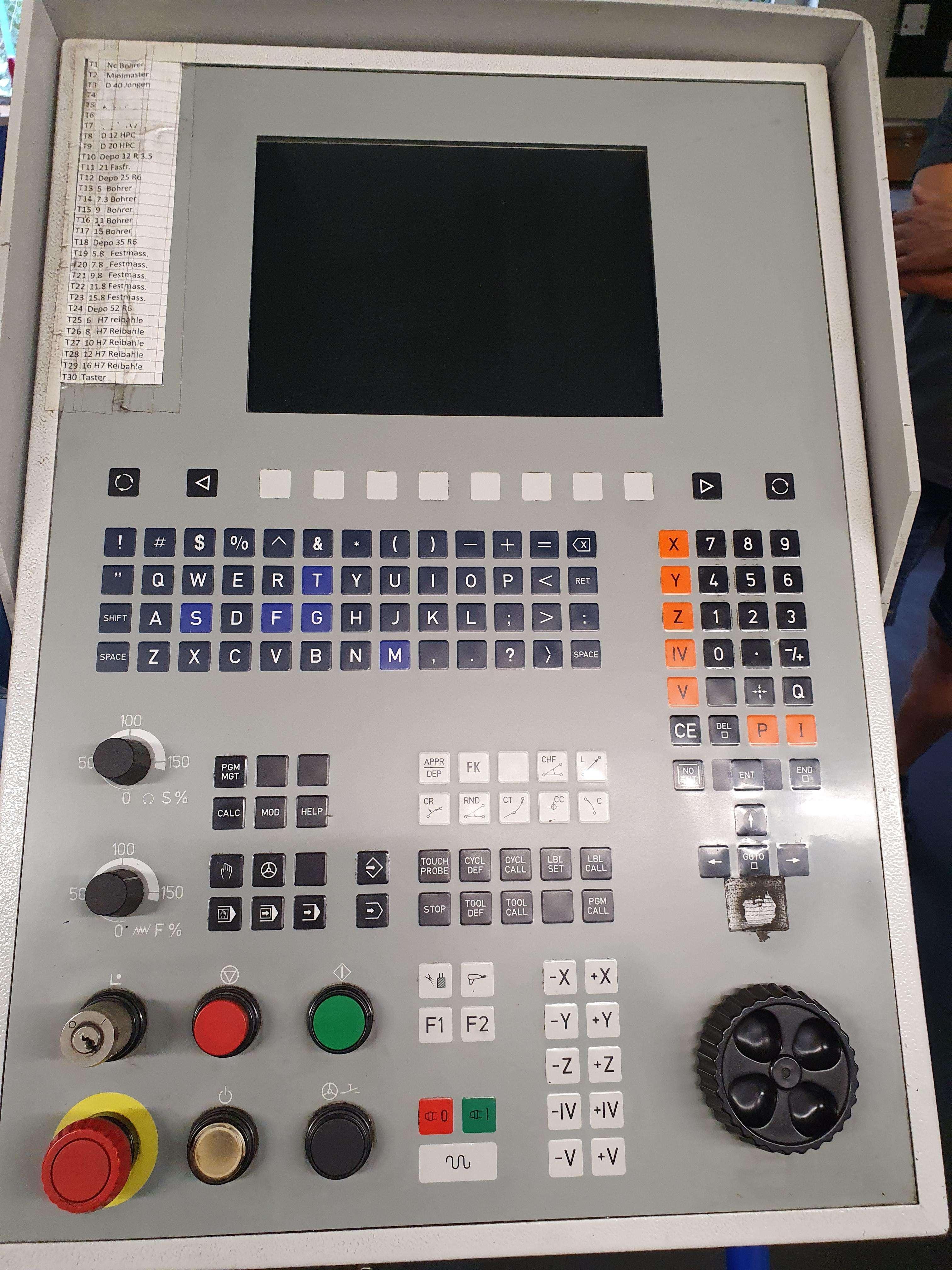 Обрабатывающий центр - вертикальный MIKRON VCP 710 фото на Industry-Pilot