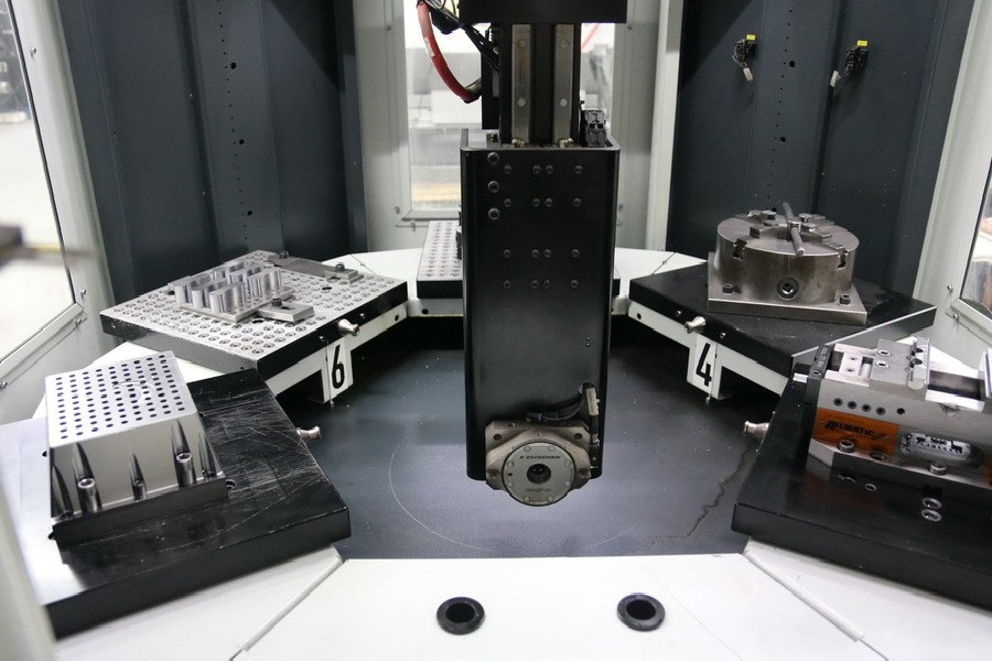 Обрабатывающий центр - универсальный SPINNER D5-630 фото на Industry-Pilot