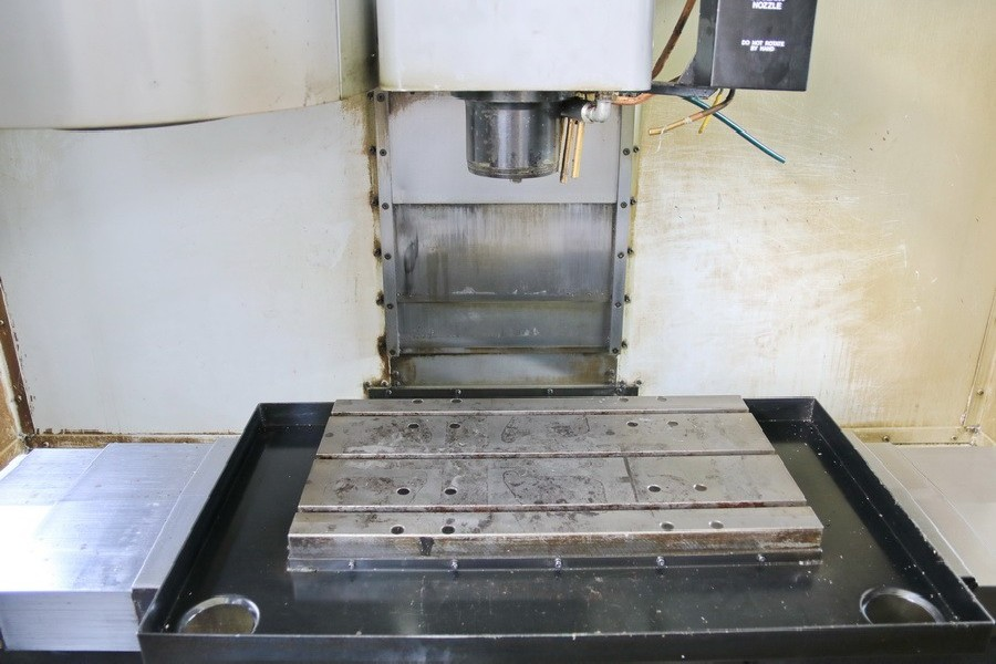 Обрабатывающий центр - вертикальный MIKRON HAAS VCE 500 фото на Industry-Pilot