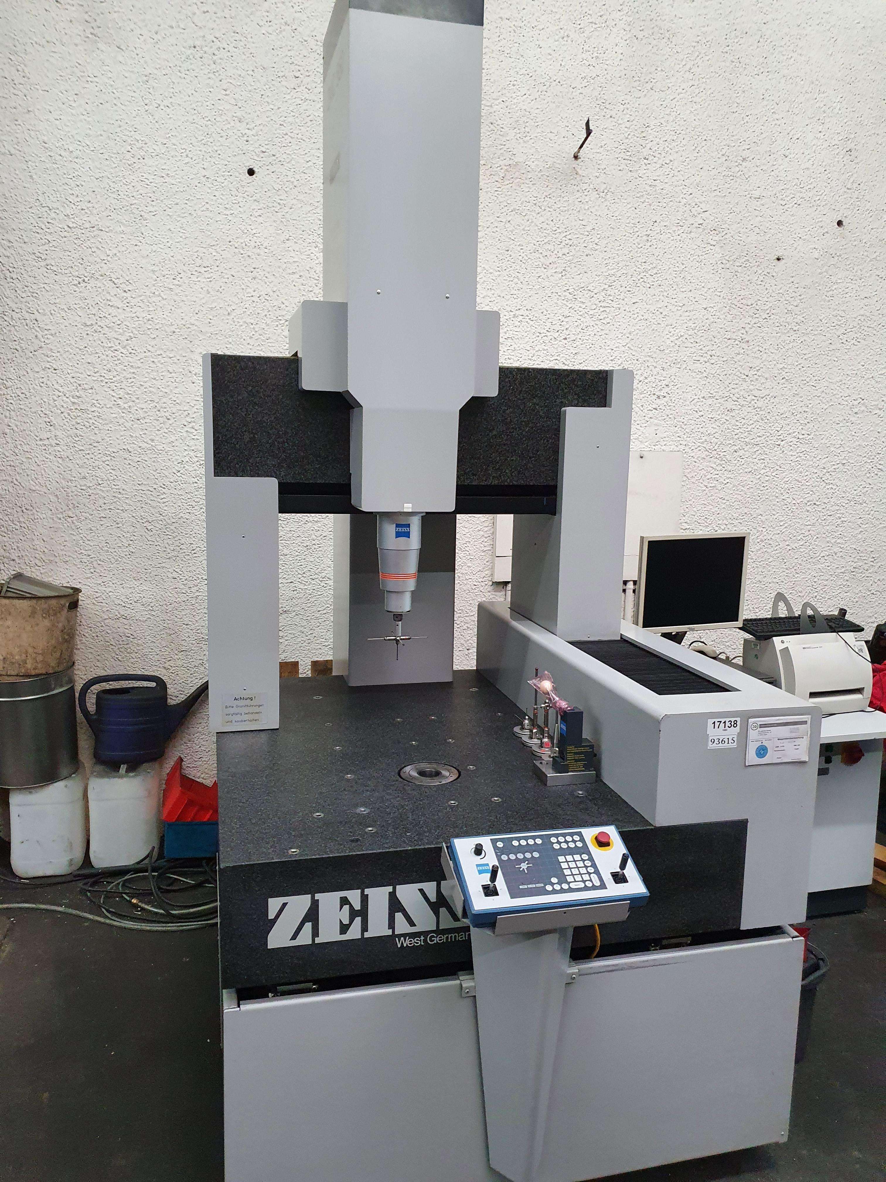 Coordinate measuring machine  Zeiss ZMZ 550