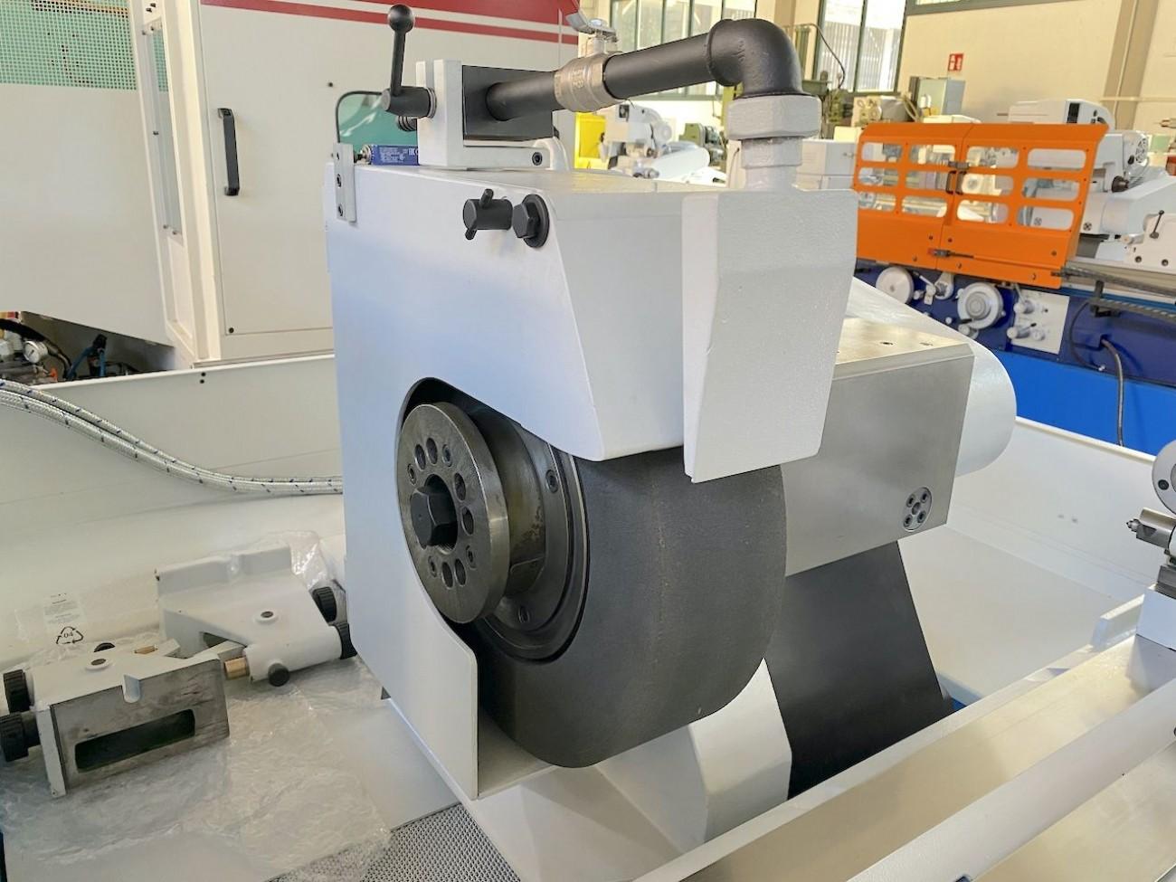 Круглошлифовальный станок - универс. TACCHELLA 1018 UA фото на Industry-Pilot