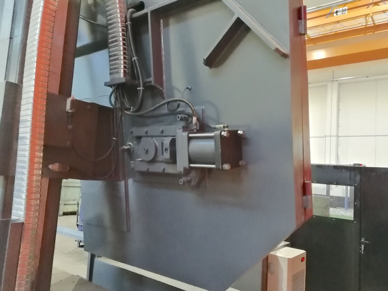 Bandsaw metal working machine SH H1300 photo on Industry-Pilot