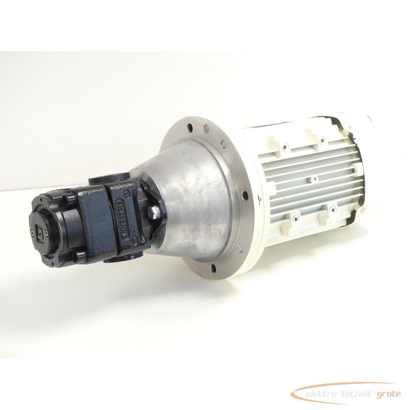 Gear gear pump Bucher QX31-032R Innenzahnradpumpe SN:35041320 + AC Motoren F0PA 100LA-4 photo on Industry-Pilot