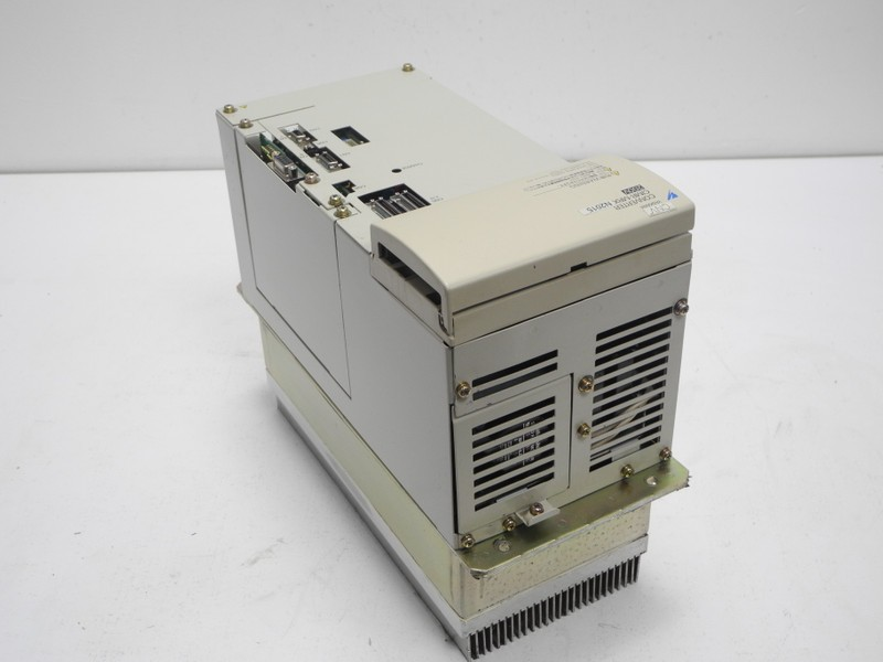 Frequency converter Omron Yaskawa Converter CIMR-MRXN2015 200V CIMR-MRXN2015 3X220V 46A TOP Zustand photo on Industry-Pilot