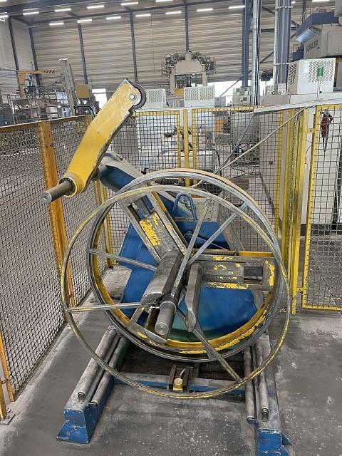 Plunger moulding press SCHULER PST 400/9/420 photo on Industry-Pilot