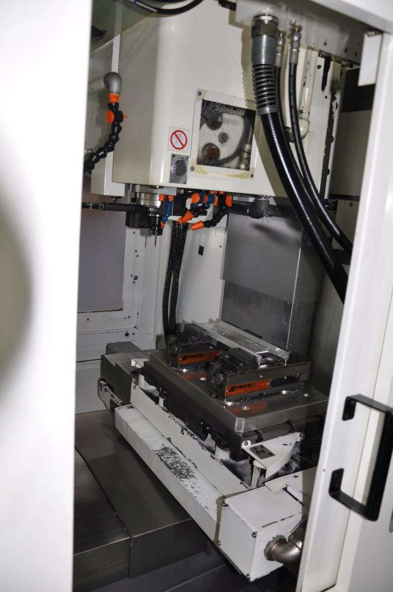 Обрабатывающий центр - вертикальный Kitamura MyCenter 2XI фото на Industry-Pilot
