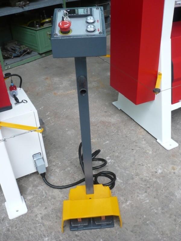 3-вальц. листогибочная машина OSTAS SMR-S 1070 x 150 фото на Industry-Pilot