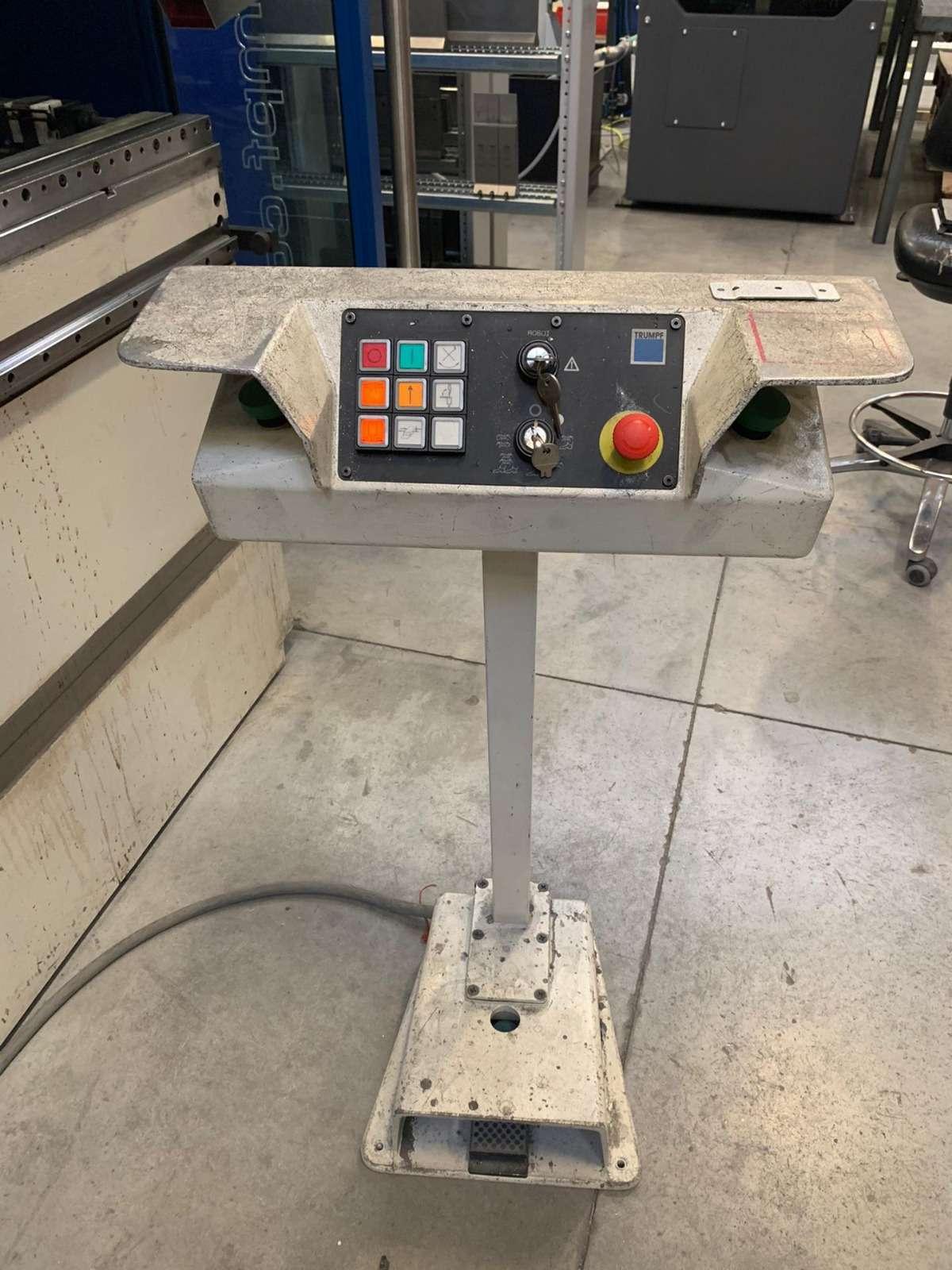 Press Brake hydraulic Trumpf TrumaBend V85S photo on Industry-Pilot