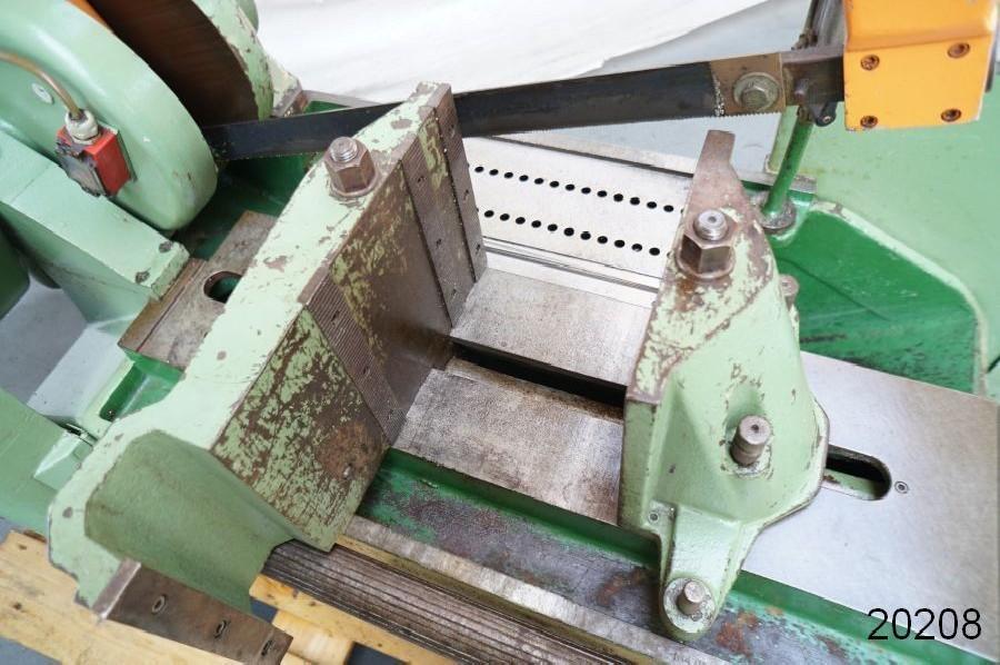 Hacksaws cutting KASTO EBS 400 U photo on Industry-Pilot