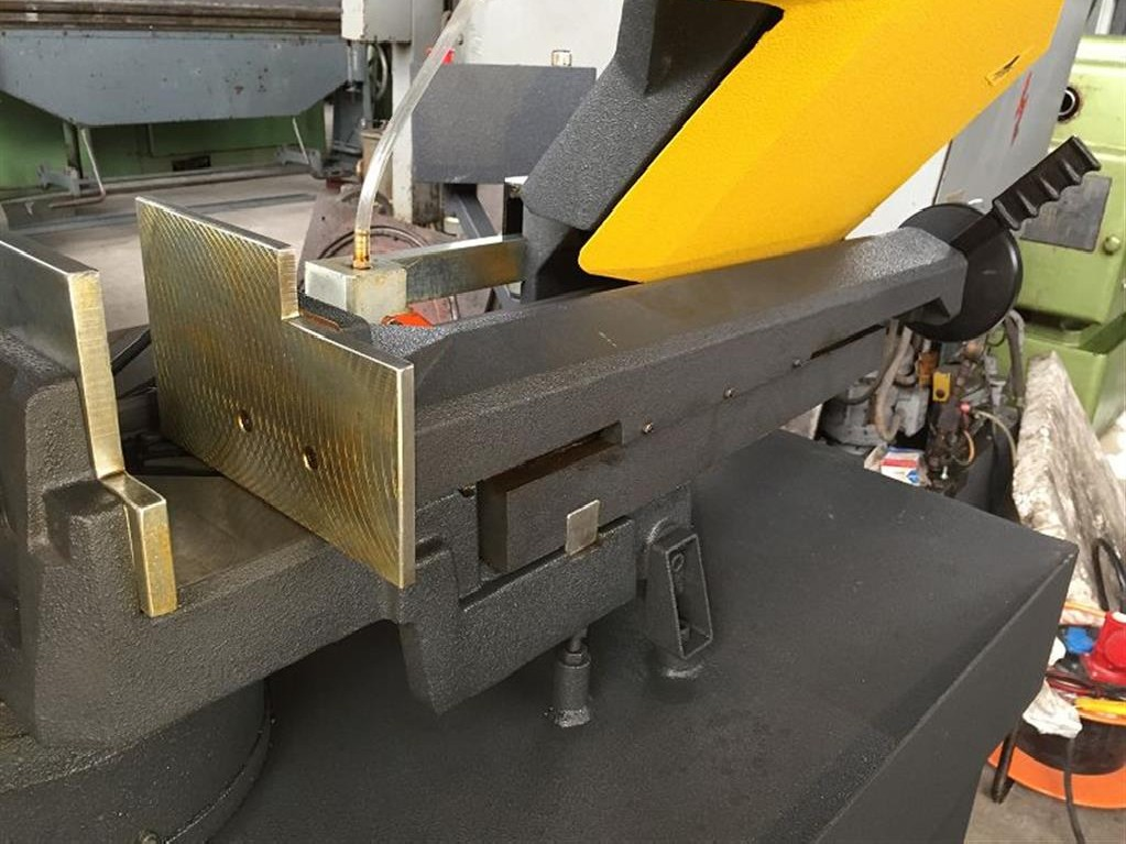 Bandsaw metal working machine BEKA-MAK BMS 270 DG photo on Industry-Pilot
