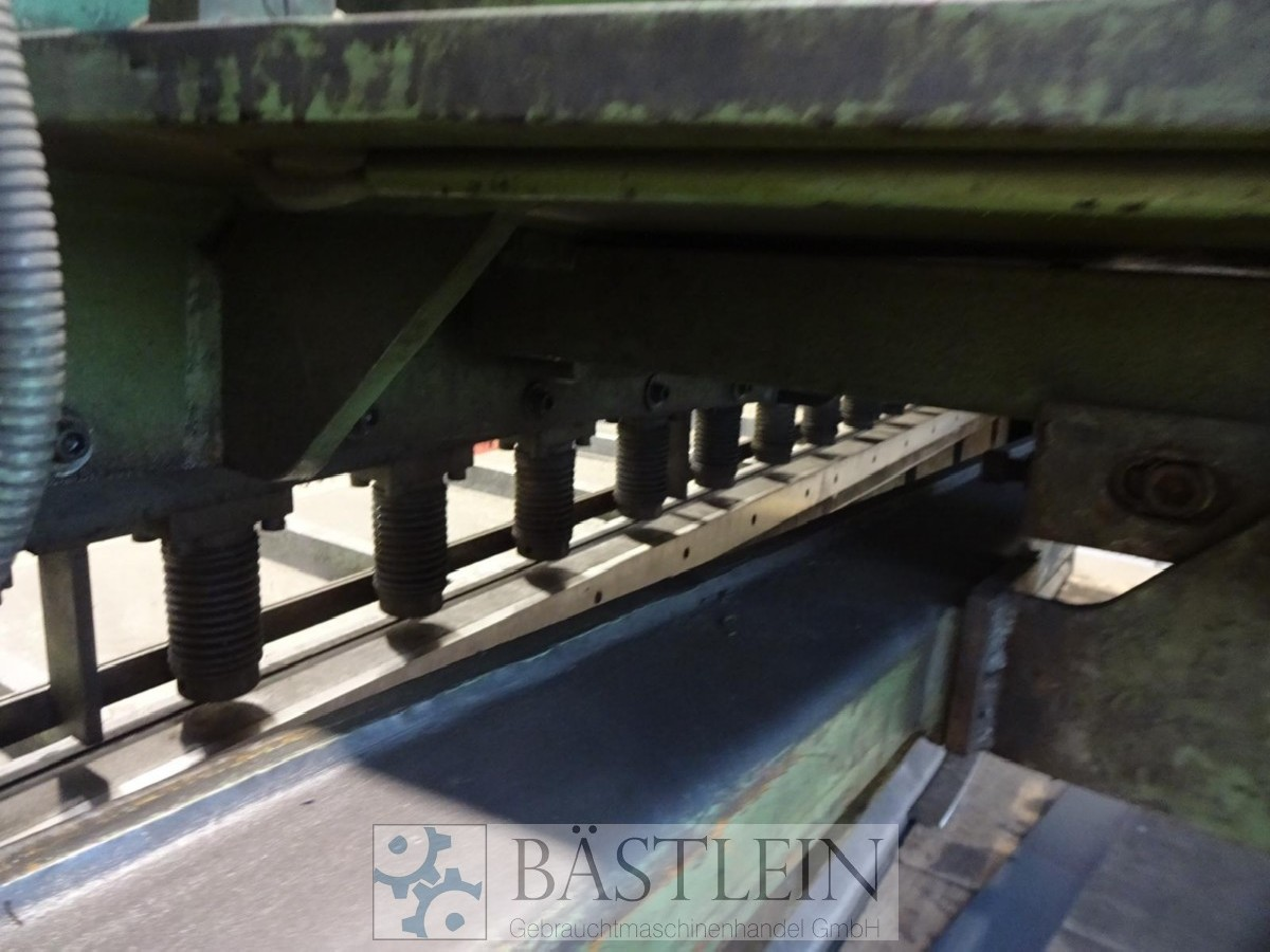 Hydraulic guillotine shear  EHT TSH 3050 photo on Industry-Pilot