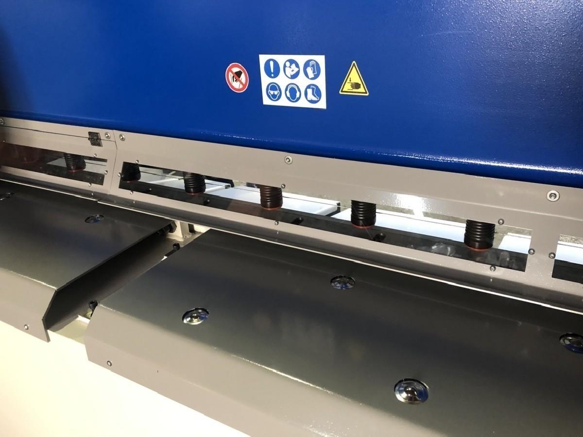 Гидравлические гильотинные ножницы Assistmach S-CUT 3116 фото на Industry-Pilot