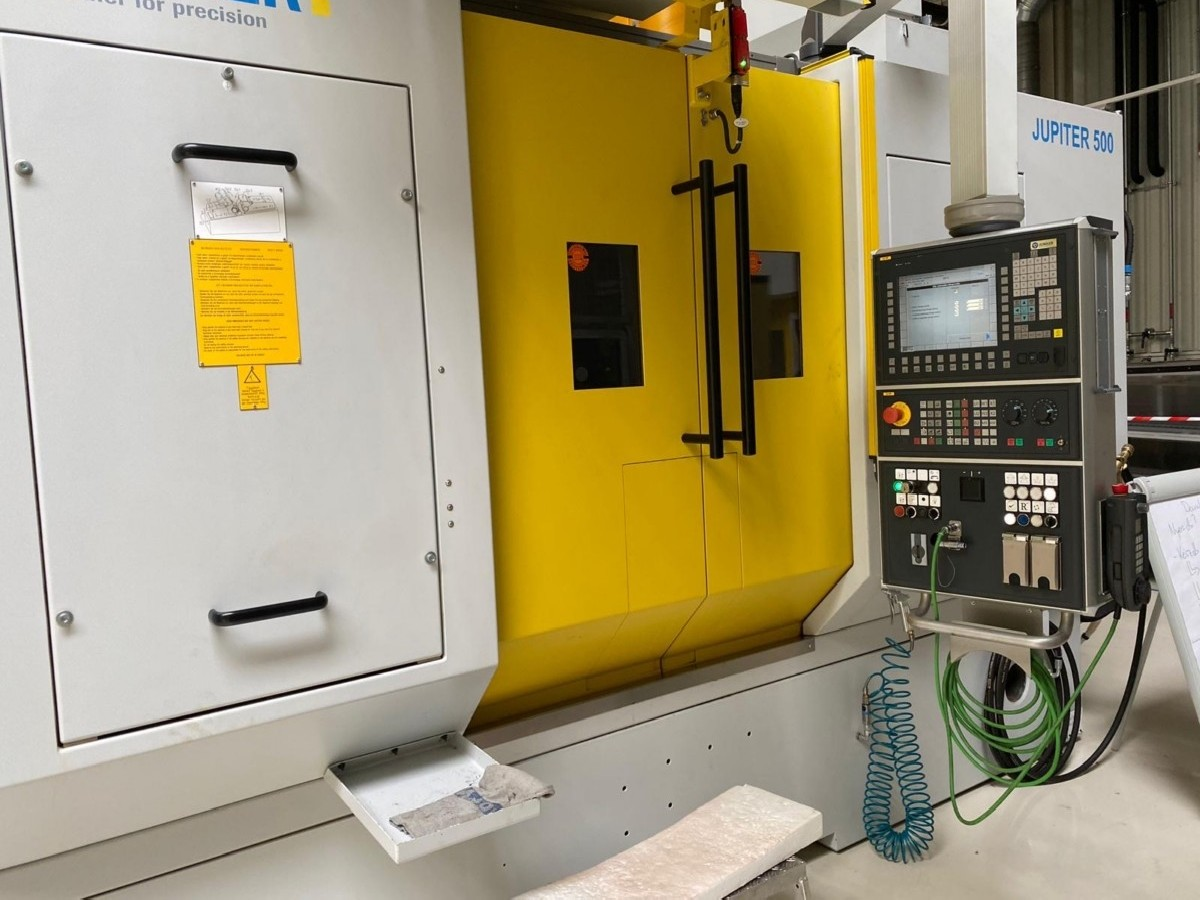 Cylindrical Grinding Machine JUNKER Jupiter 500 photo on Industry-Pilot