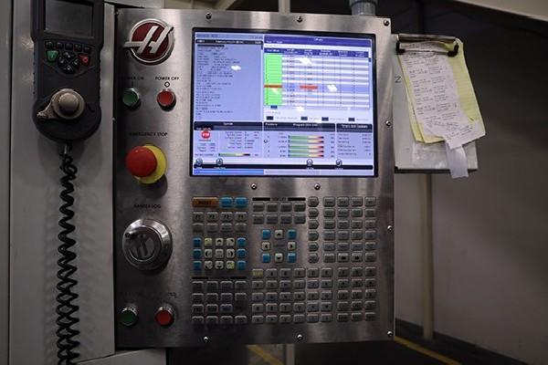 Обрабатывающий центр - вертикальный HAAS UMC 750 фото на Industry-Pilot