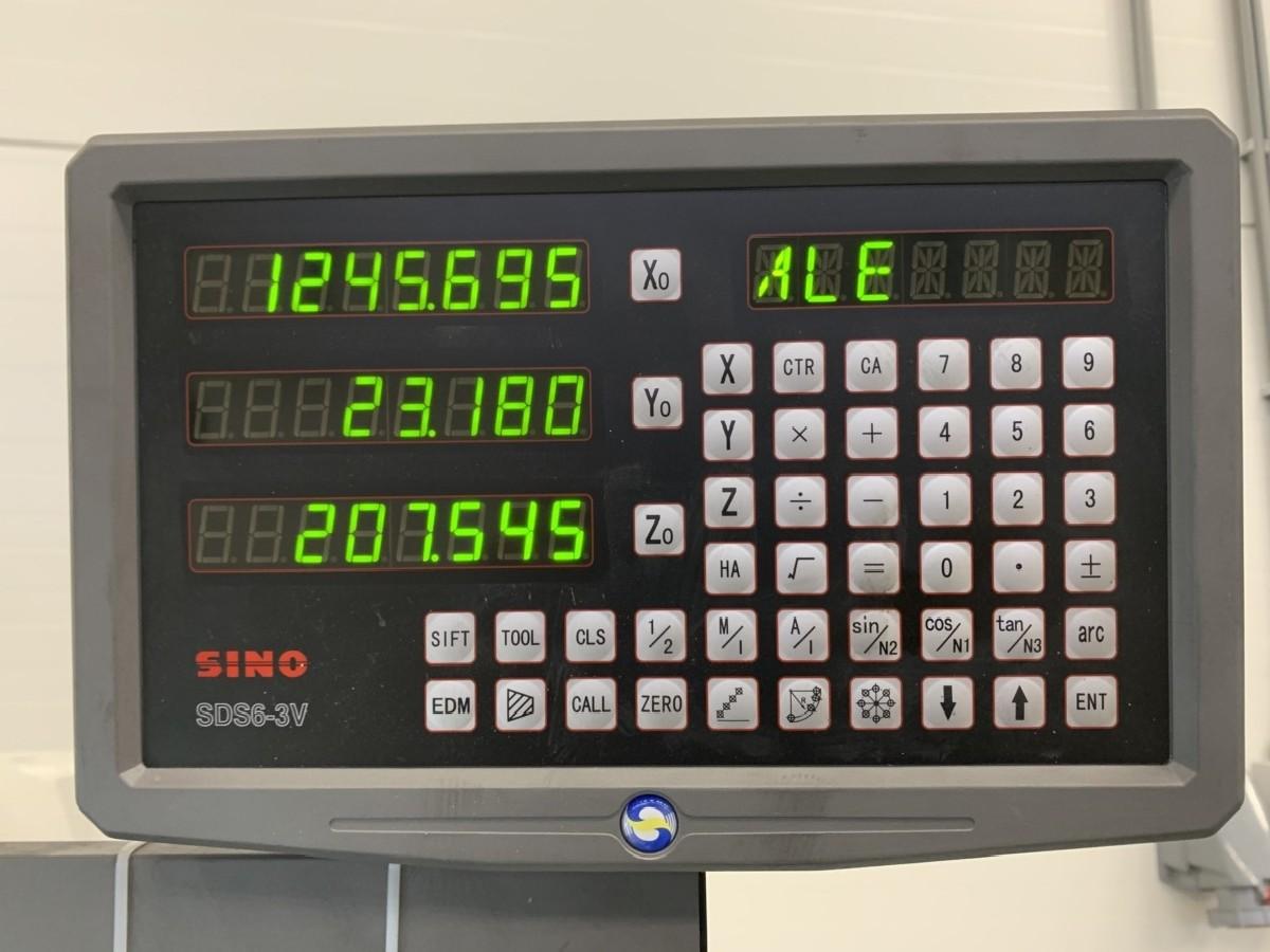 Инструментальный фрезерный станок - универс. ToRen X 6323A фото на Industry-Pilot