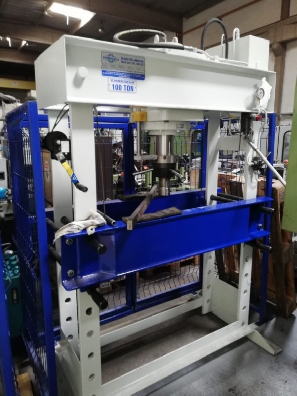 Tryout Press - hydraulic KONHIDROLIKSAN 100 фото на Industry-Pilot