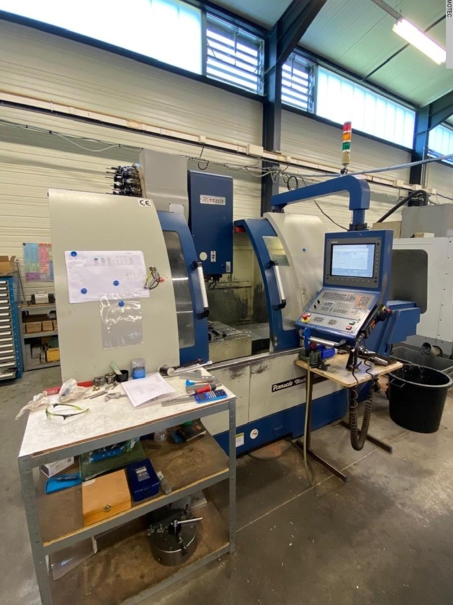 Обрабатывающий центр - вертикальный PINACLE VMC 1000 фото на Industry-Pilot
