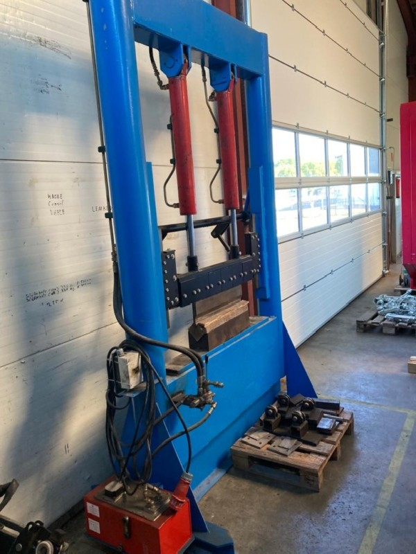 Листогибочный пресс - гидравлический EIGENBAU / CUSTOM BUILT 100 фото на Industry-Pilot
