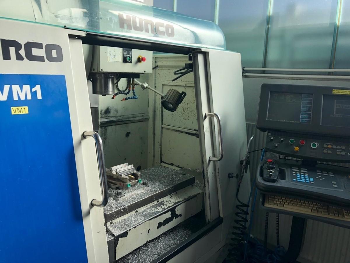 Обрабатывающий центр - вертикальный HURCO VM 1 фото на Industry-Pilot
