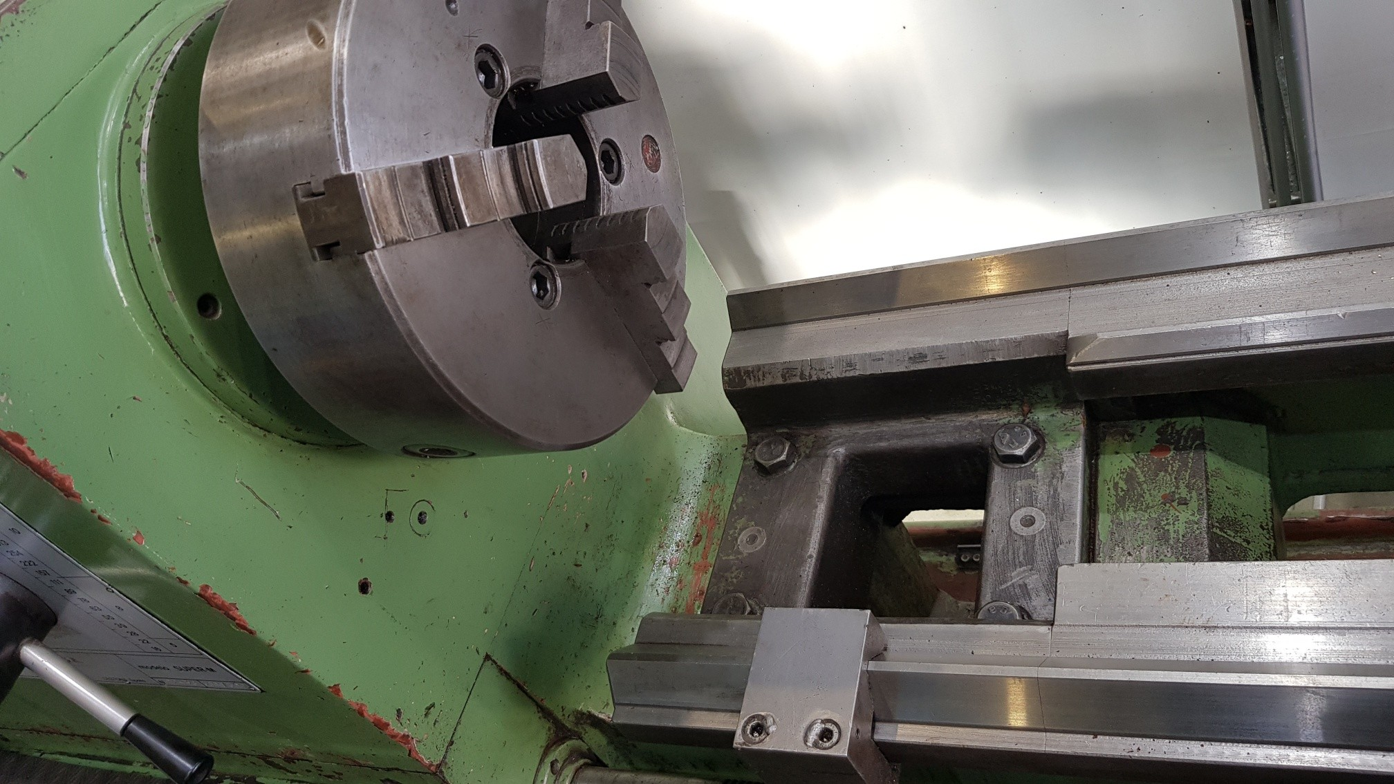 Токарный станок с ручным управлением GURUTZPE Super M 3000/300 фото на Industry-Pilot